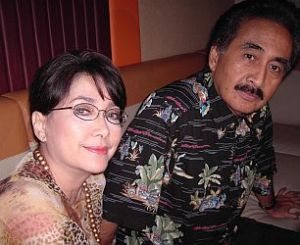 Sophan Sophian dengan istri tercinta